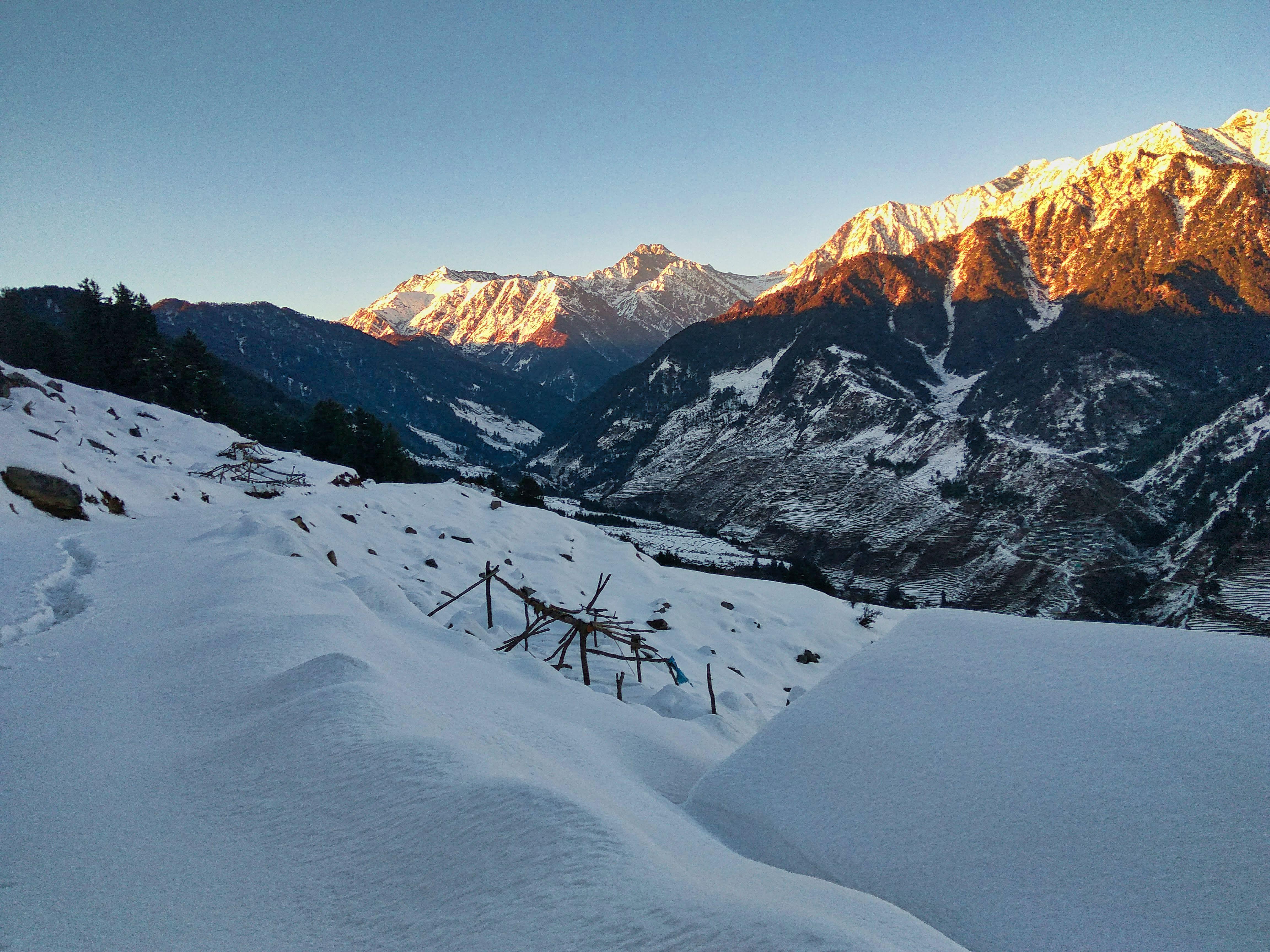Rajgundha-trek-in-winters