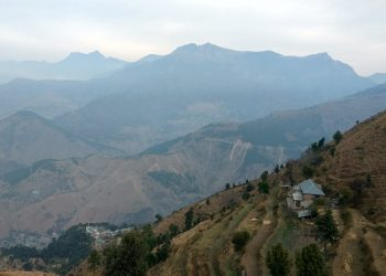 Prashar_lake-trek